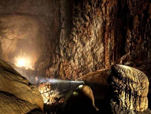 Espeleologia - La Caverna mas grande del mundo
