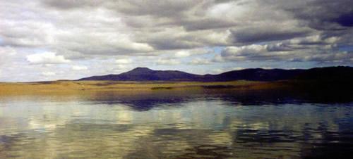 Encuentran restos de un monstruo en un lago siberiano