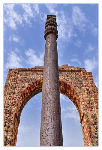 La columna inoxidable del templo de Delhi