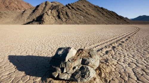 Rocas movedizas del Valle de la muerte