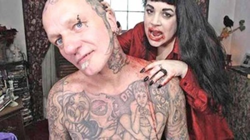 sangre con tatoo