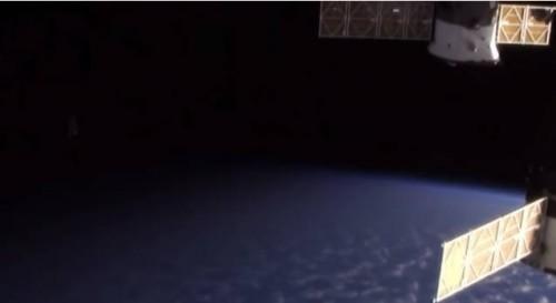 2014-ISS-ufo-ufopolis-1