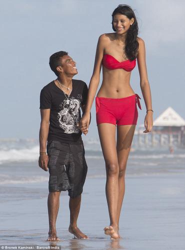 la chica mas alta del mundo
