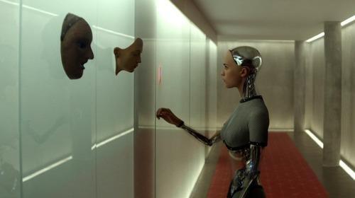 Ava la mujer robot de Tinder