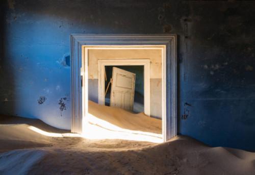 Les-Sables-du-Temps-Romain-Veillon-kolmanskop-namib-desert-4