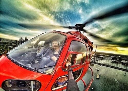 fuera del helicoptero