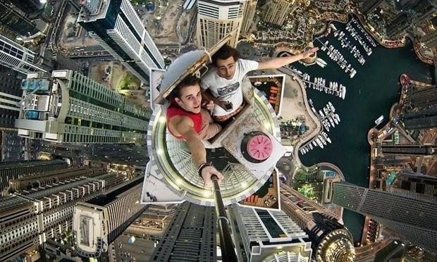 selfie en un rascacielo