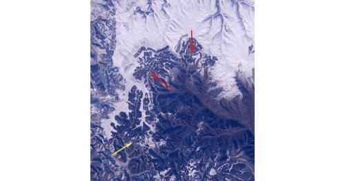 La-gran-muralla-china-es-visible-desde-el-espacio-01