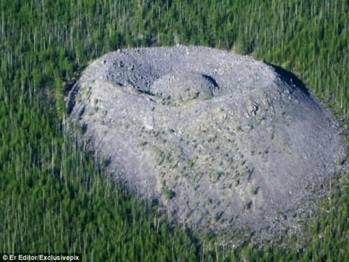 cráter Patomskiy