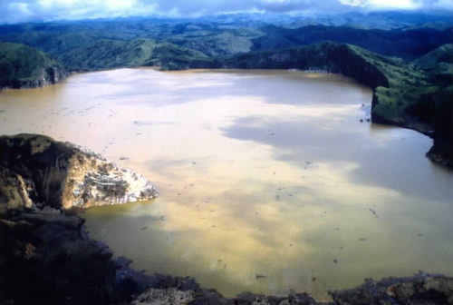 lago explosivo
